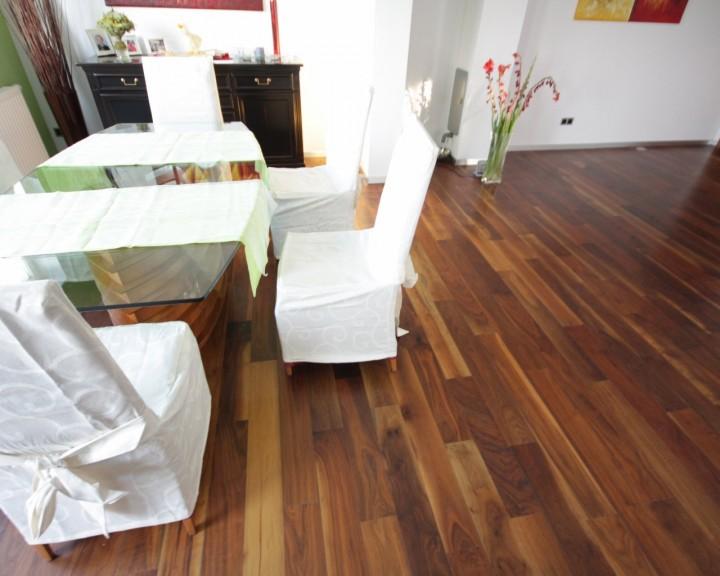 parkett nussbaum amerikanisch 2 schicht parkett langriemenparkett parkettb den meister. Black Bedroom Furniture Sets. Home Design Ideas